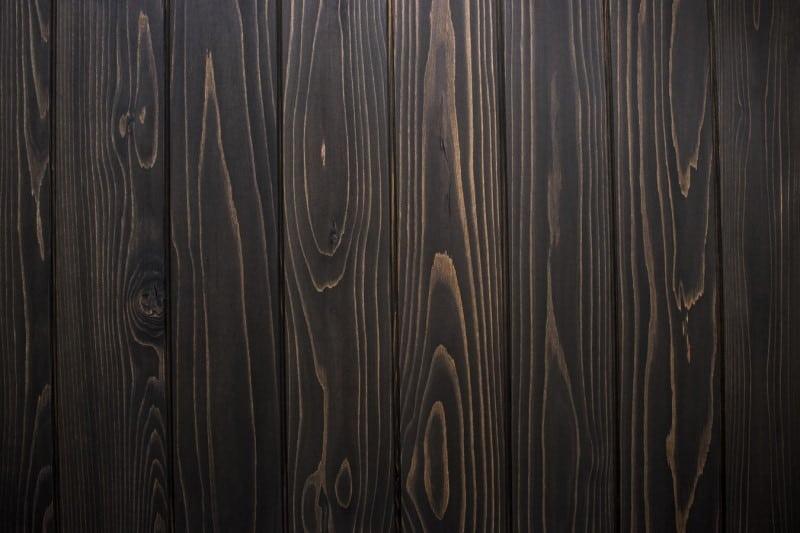 Ξύλο σκούρου χρώματος