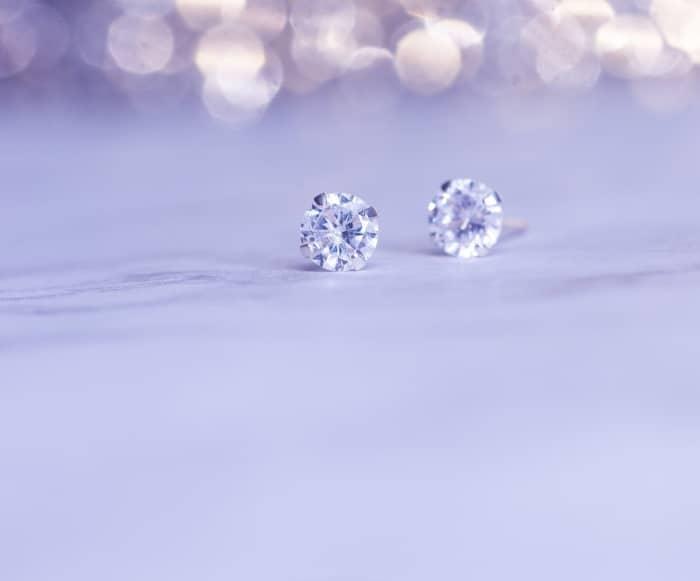 Διαμαντένια σκουλαρίκια, minimal